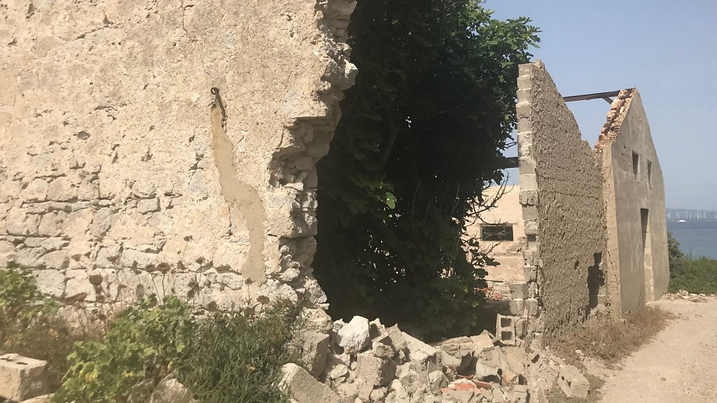 Wieder alte Ruinen.