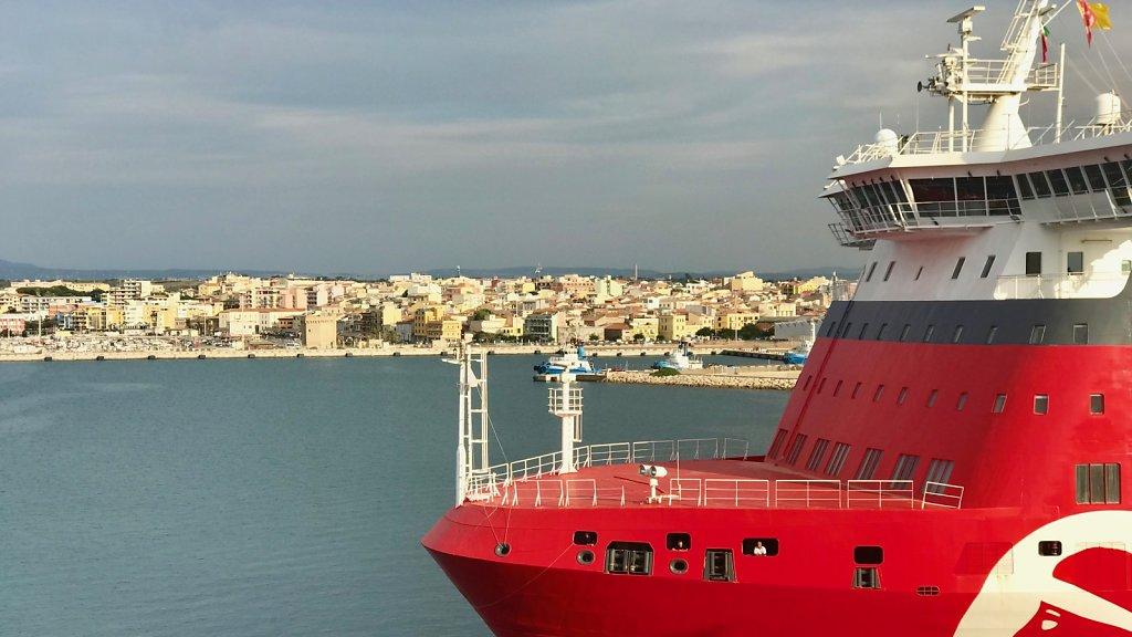 Im Hafen von Porto Torres